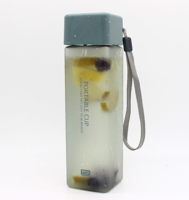 Infused water Flasche blau